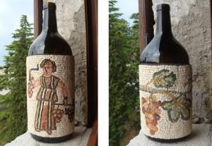 Bottiglie rivestite. Omaggio a Papa Benedetto XVI.
