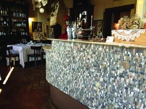 """Bancone del ristorante """"La Torre di Spilimbergo"""", Italia"""